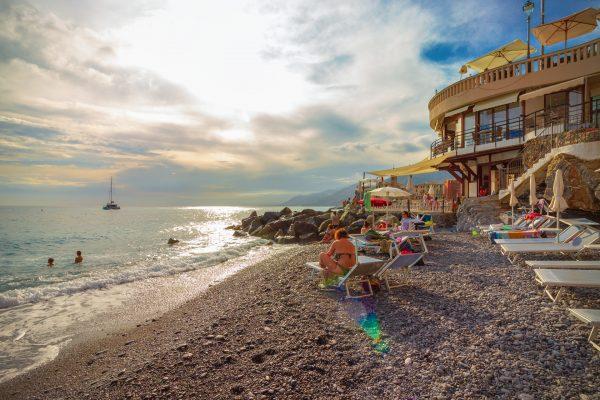la rotonda camogli spiaggia